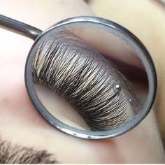 The importance of using a mirror to check your work. Look at the angle you wouldn't otherwise see! Thanks for sharing this shot @redlashstudio. Shop our lash supplies! Click the link! | #sugarlashpro