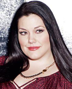 Brooke Elliott, née le 16 novembre 1974 est une actrice et chanteuse. Elle est surtout connue pour son rôle de Jane Bingum dans Drop Dead Diva.