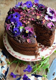 "Lavender and Lovage   ""Kladdkaka"" Swedish Chocolate Fudge Cake   http://www.lavenderandlovage.com"