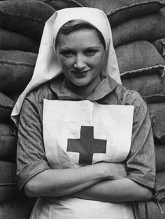 14th October 1939: Margery Binner, a musical comedy actress during her period of volunteer work for the Red Cross. (Photo by Central Press/Getty Images)