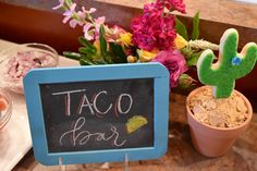 How to Throw a Fiesta Margarita Bar, Taco Bar, Bar Signs, Great Recipes, Place Cards, Place Card Holders, Cinco De Mayo, Fiestas