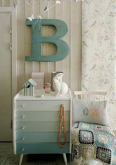How to #Refinish #Furniture #DIY Furniture #Refinishing #Ideas #vintage #deco #g