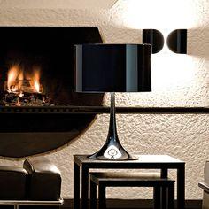 Hoy os presentamos a Spun Light T, una #luminaria diseñada por Sebastian Wrong en 2003 e inspirada en la estética fluida y dinámica de la naturaleza.