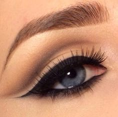 Wing smokey eye