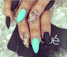 Mate black nails