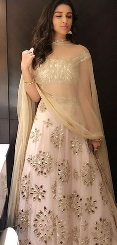 Parineeti chopra in white Lehenga Indian Wedding Outfits, Bridal Outfits, Indian Outfits, Party Wear Indian Dresses, Indian Lehenga, Red Lehenga, Lehenga Choli, Lehenga White, Anarkali