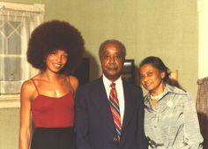 angela davis photos | Angela Davis | Abagond Black Panther Pics, Black Panther Party, Famous Black Americans, Afro Tattoo, Emory Douglas, Big Afro, Angela Davis, Black Goddess, Black Celebrities