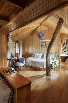 Décorées dans des couleurs délicates, ensoleillés, cette cabane en bois de chambre à La Sultana Oualidia est un refuge accueillant et de bon goût pour se détendre et recharger vos batteries.