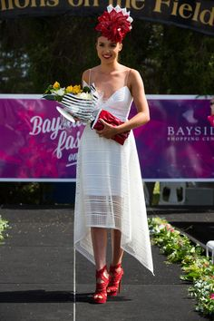 Racing Fashion - Home Races Style, Race Wear, Races Fashion, Couture Fashion, Fascinator, Lace Skirt, The Incredibles, Racing, Skirts