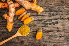 Turmeric is known for its superfood qualities. Learn why turmeric is considered to be one of the world's healthiest foods, plus a recipe for Golden Milk. Natural Cancer Cures, Natural Cures, Natural Glow, Turmeric Golden Milk, Turmeric Milk, Turmeric Root, Bebidas Detox, Lemon Diet, Cancer Fighting Foods