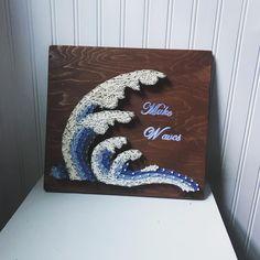 "Serendipity String Art on Instagram: ""Make Waves🌊 #stringart #stringartist #serendipitystringart #waves #makewaves #ocean #wavestringart #art #etsy #homemade #homedecor #walldec…"" String Art Templates, String Art Patterns, Art N Craft, Diy Art, 3d Art Projects, Creative Arts And Crafts, Wave Art, Wave Pattern, Rug Hooking"