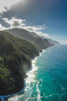 Kauai https://www.reddit.com/r/EarthPorn/comments/3df1jt/aerial_shot_at_kauai_hi_oc_4384x3288/