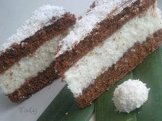 Dolce freddo al cocco by Taly My Favorite Food, Favorite Recipes, Delicious Desserts, Dessert Recipes, Just Cakes, Sweet Cakes, Easy Cooking, I Love Food, Cake Cookies