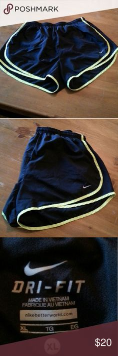 Nike Women's Tempo Dri-Fit Running Short These Nike Women's Tempo Dri-Fit shorts are perfect for running. They can be worn with or without spandex underneath, as they have a breathable liner (also black). Size XL. Very comfortable for any type of workout. Drawstring/ elastic waistband. Size XL. Nike Shorts