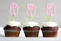 Blog La Pequetita: Faça Você Mesmo-ROSAS VAZADAS para decorar cupcakes