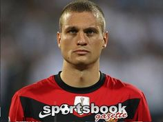 Milan eye Vidic as Moyes chases Garay  AC Milan are weighing up the possibility of signing Manchester United centre-back Nemanja Vidic as David Moyes continues his pursuit of Benfica defender Ezequiel Garay http://www.sportsbookgazette.com/