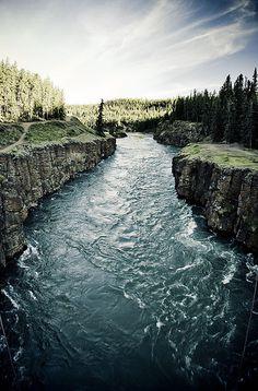 Miles Canyon . Yukon River . Canada