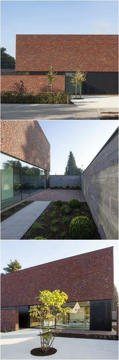 Een open woning met massa's licht en toch de nodige privacy • Architect: Egide Meertens • (nieuwbouw • modern • plat dak • baksteen • strak)