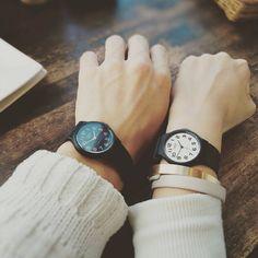 手元のおしゃれに欠かせないファッション小物と言えば、欠かせないのが腕時計ですよね。ハイブランドもいいですが、アクセサリー感覚で、いろんなデザインを楽しみたいなら、断然チプカシがおすすめです♡
