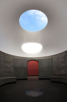 James Turrell . skyspace