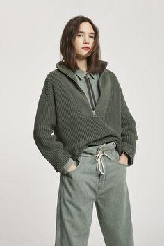Knit Fashion, Sport Fashion, Womens Fashion, Half Zip Sweaters, Sweaters For Women, Modest Fashion, Fashion Outfits, Elisa Cavaletti, Troyer