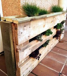 Wooden Pallet Furniture 45 Easiest DIY Projects with Wood Pallets, You Can Build - Wooden pallet vertical planter, for the indoor gardening purpose. Wooden Pallet Projects, Wooden Pallet Furniture, Wooden Pallets, Wooden Diy, Pallet Wood, Furniture Ideas, Pallet Patio, Pallet Beds, Pallet Fence