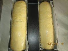 Prajituri de casa: Cozonac in doua culori Hot Dog Buns, Hot Dogs, Bread, Breads, Bakeries
