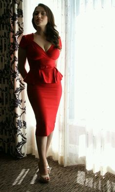 Kat Dennings...LOVE this dress