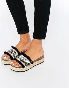 Image 1 ofASOS FUTURE ZONE Espadrille Sandals surtei quando vi essa sandalia no insta da @mikutas e PROCUREI ATE ATE ACHAR MUITO MARA