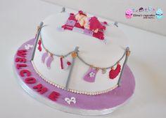 Newborn baby cake !