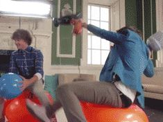 (GIF - CLICK ON PICTURE) HARRY STYLES FALLING OVER AGAIN!!! harry styles, hazza, harreh, liam payne, super pokemon rumble, one direction, 1D