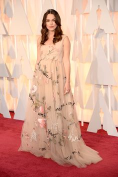 Keira Knightley en Valentino - Premios Oscar 2015 - www.so-sophisticated.com