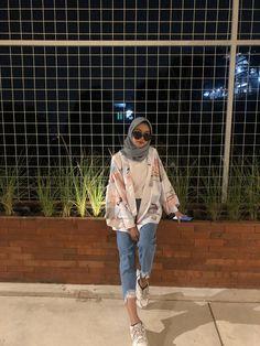 Hijab Casual, Ootd Hijab, Street Hijab Fashion, Muslim Fashion, Fashion Outfits, Fashion 2020, Urban Fashion, Hijab Mode Inspiration, Hijab Stile
