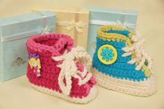 Crochet Sneaker Booties - Free Pattern & Tutorial