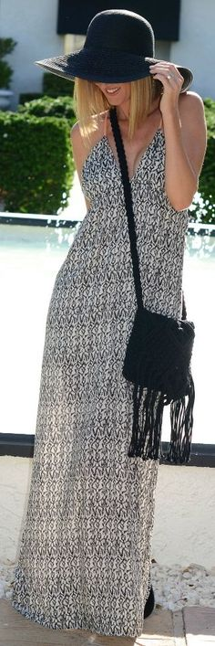 Swirl Boutique Black And White V Neck Printed Floor Length Summer Dress