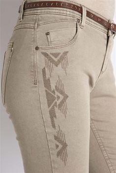 Pantalon coupe slim et broderies