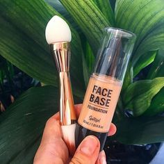 Name a more iconic duo... I'll wait....  Our new Face Base Liquid Foundation and the 2 Part Buff and Brush are the ultimate team #sportsgirl #sportsgirlstyle #foundation #makeup #makeupbrushes #love
