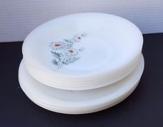 "10 VINTAGE FRENCH ARCOPAL FRANCE MILK GLASS 5 PLATES 5 BOWLS FLOWER DAISY 9"" LOT #FRANCE"
