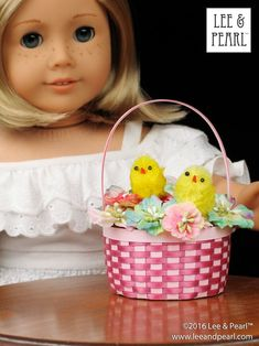 Happy Easter from Lee & Pearl! Make beautiful Easter baskets for your 18 inch / American Girl dolls using inexpensive ribbon, card stock and Lee & Pearl's FREE tutorial and printable package. Pearl Crafts, Easter Baskets To Make, American Girl Diy, Printable Templates, Free Printable, Printables, Popular Crafts, Felt Bunny, Craft Tutorials