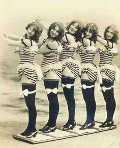 Gorgeous Photos of Curvy Ladies From Edwardian Era ~ vintage everyday Antique Photos, Vintage Pictures, Vintage Photographs, Old Pictures, Vintage Images, Old Photos, Pin Up Vintage, Vintage Beauty, Vintage Ladies