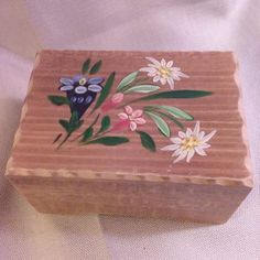 Wooden Carved Wood Edelweiss Swiss Music Box Mapsa Switzerland Floral