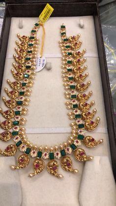 Gold Jewelry Design In India Mango Mala Jewellery, Antic Jewellery, Gold Jewellery Design, Handmade Jewellery, Designer Jewellery, Saree Jewellery, White Gold Jewelry, Schmuck Design, Jewelry Patterns