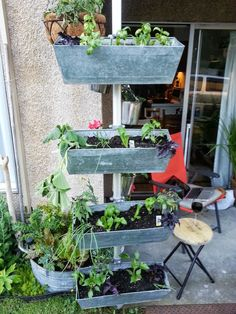 Vertical planter with small footprint - IKEA Hackers - IKEA Hackers