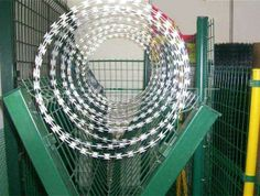 China Razor Barbed Wire Mesh Machine, ECVV provides Razor Barbed Wire Mesh Machine China Sourcing Agent service to protect the product quality and payment security. Barbed Wire, Wire Mesh, Garden Hose, Fence, Grills, Outdoor, Outdoors, Metal Lattice, Wire Mesh Screen