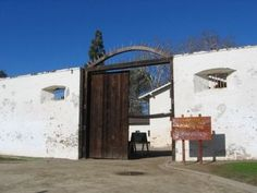 Sutter's Fort - Visit this recreation of the historical fort. Learn about Sacramento's history and the Gold Rush. #sacramento #educationalactivities
