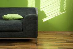 Decora tu sala con un color impecable utilizando la calidad de nuestra pintura Látex Universal
