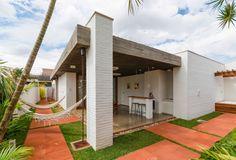 Casa de un piso con terraza y jardin #fachadasmodernasunpiso