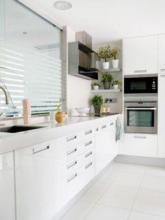 Helle 2 Zimmer Pendler-Wohnung zw. Limburg u. Diez - JHW Immobilien