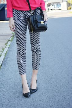 Black and white pants | Love, Lenore #fashion #outfit #outfitinspiration