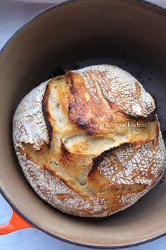 My Little Expat Kitchen (in Greek): ψωμί Greek Bread, Greek Cake, Flour Recipes, Cooking Recipes, Sourdough Bun Recipe, Scones, Kitchen In, No Knead Bread, Bread And Pastries